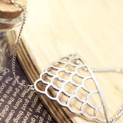 Vintage Punk Styles Sliver Fish Scale Shaped Metal Bracelet