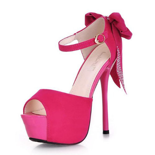 Red heels with bow on back