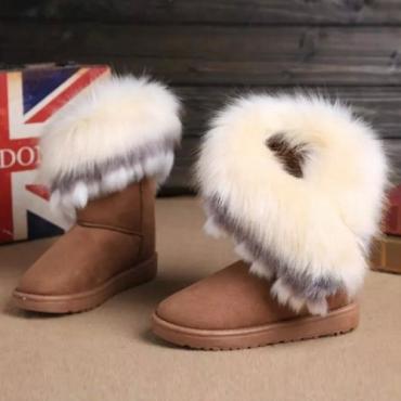Plumas de dedo del pie redondo de la manera del invierno adornaron deslizar-en el tacón bajo plano caqui PU pantalones mediados de la nieve del becerro