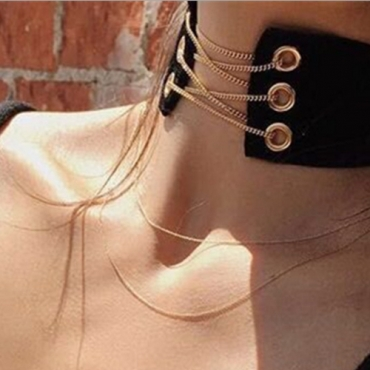 Fashion Hollow-out Black Flocking Necklace