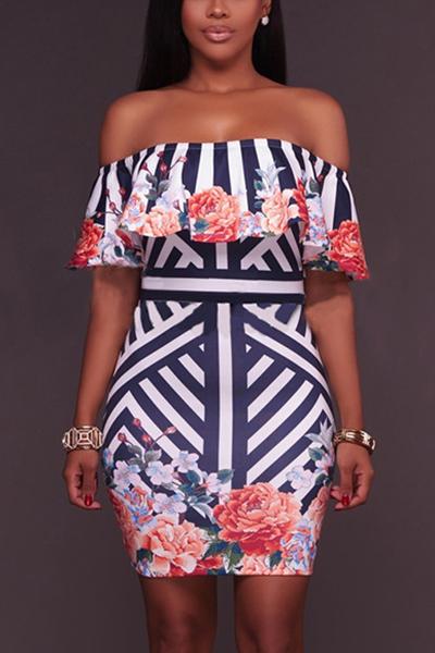 Стильное плечо плеча с короткими рукавами Печатное молочное волокно колено платье