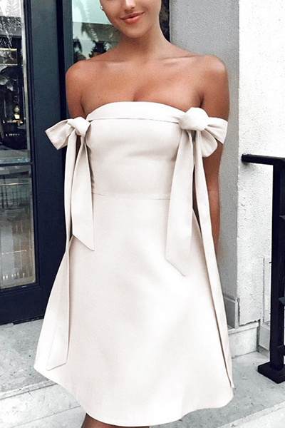 Manches courtes élégantes Décoration à manches courtes Beige Polyester Robe longue à genou